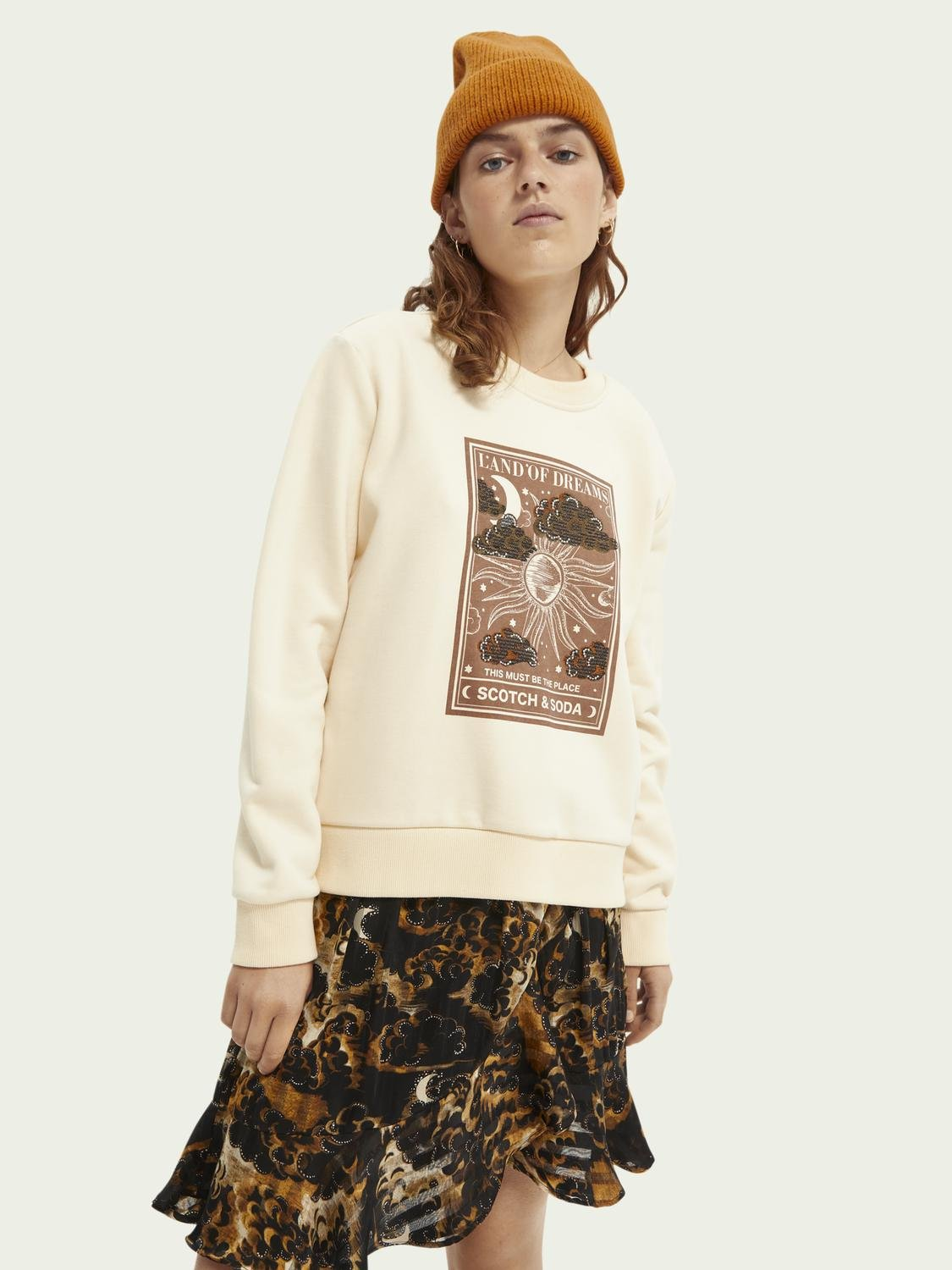 Relaxed-fit graphic sweater
