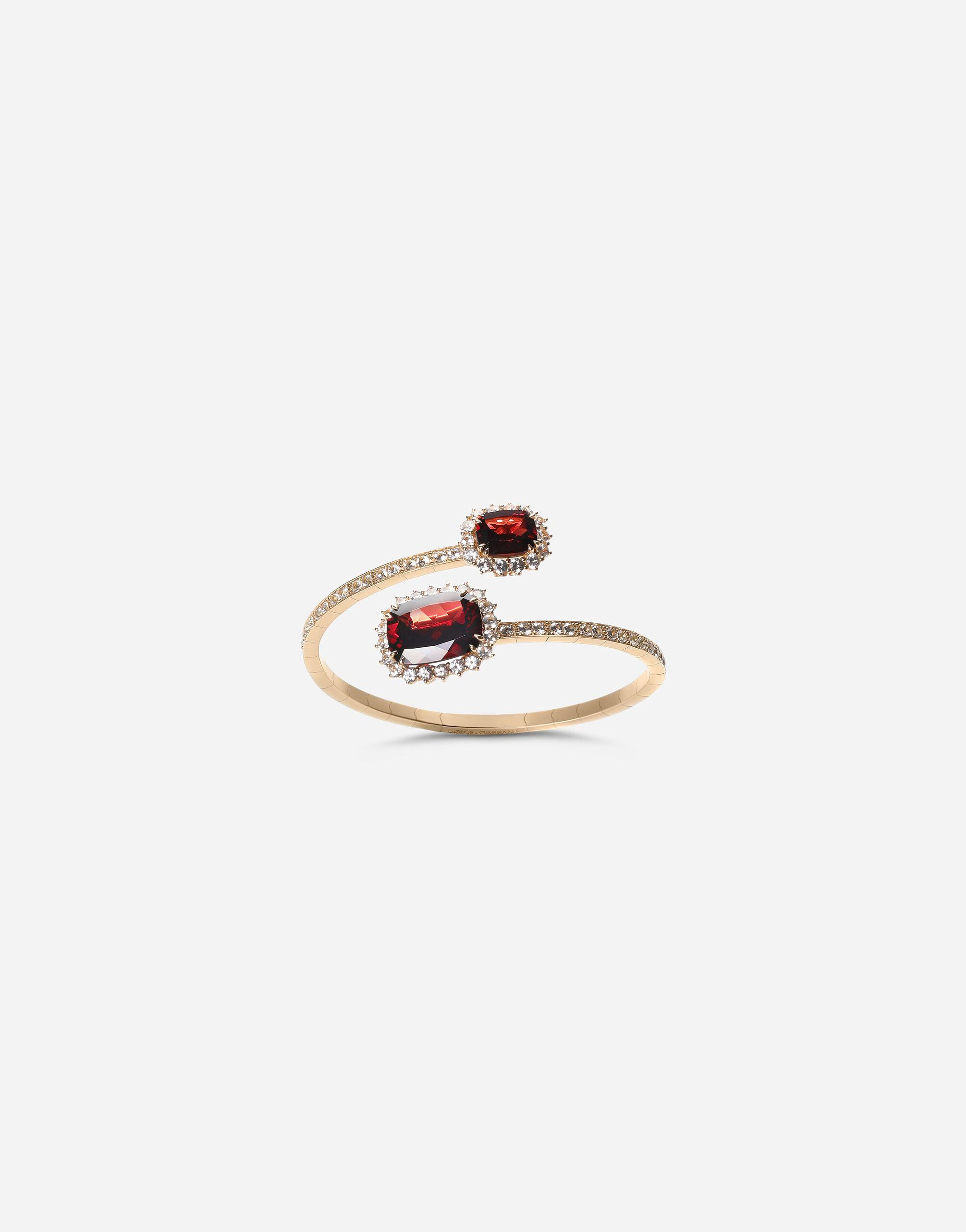 Heritage yellow gold bracelet with rodolith garnet and colourless sapphire