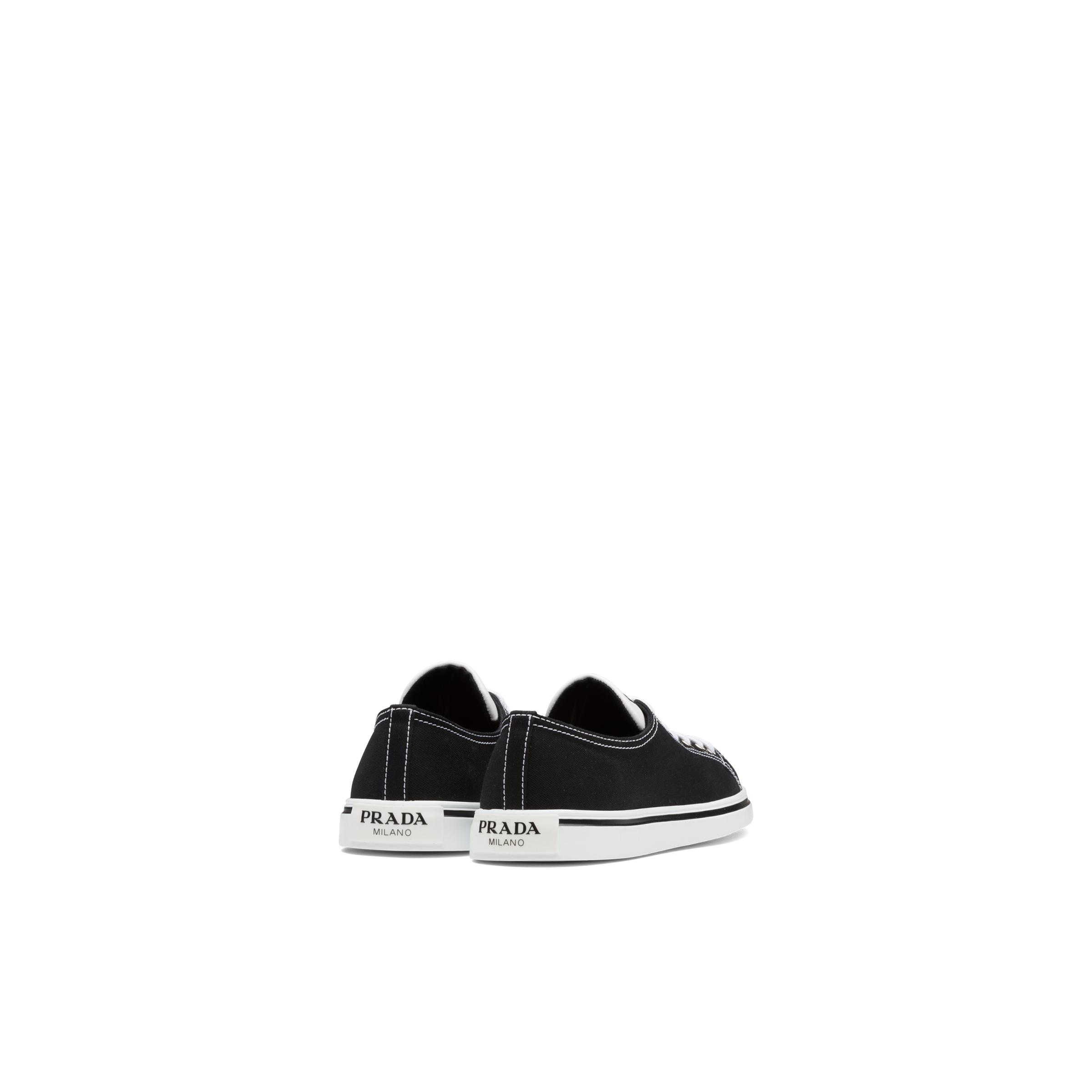 Synthesis Sneakers Women Black 3