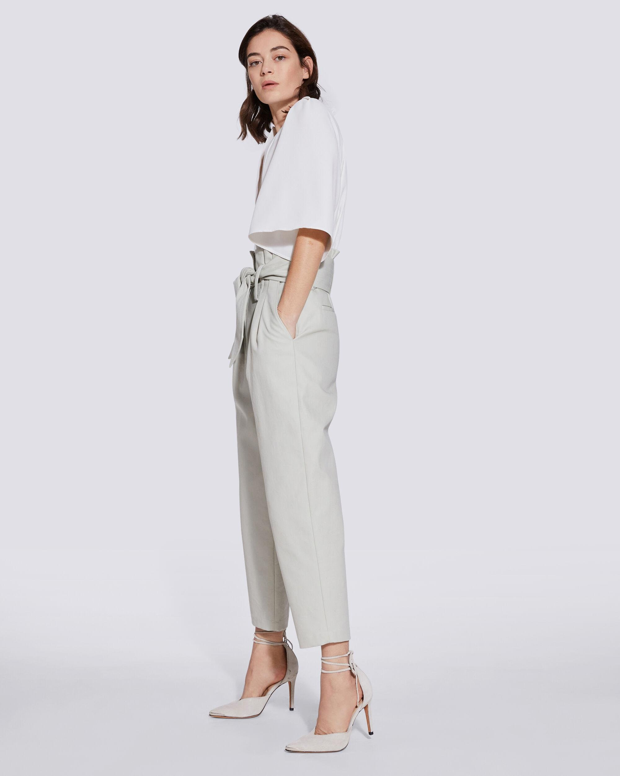 LATOD PLEATED CROPPED V NECK TOP 2