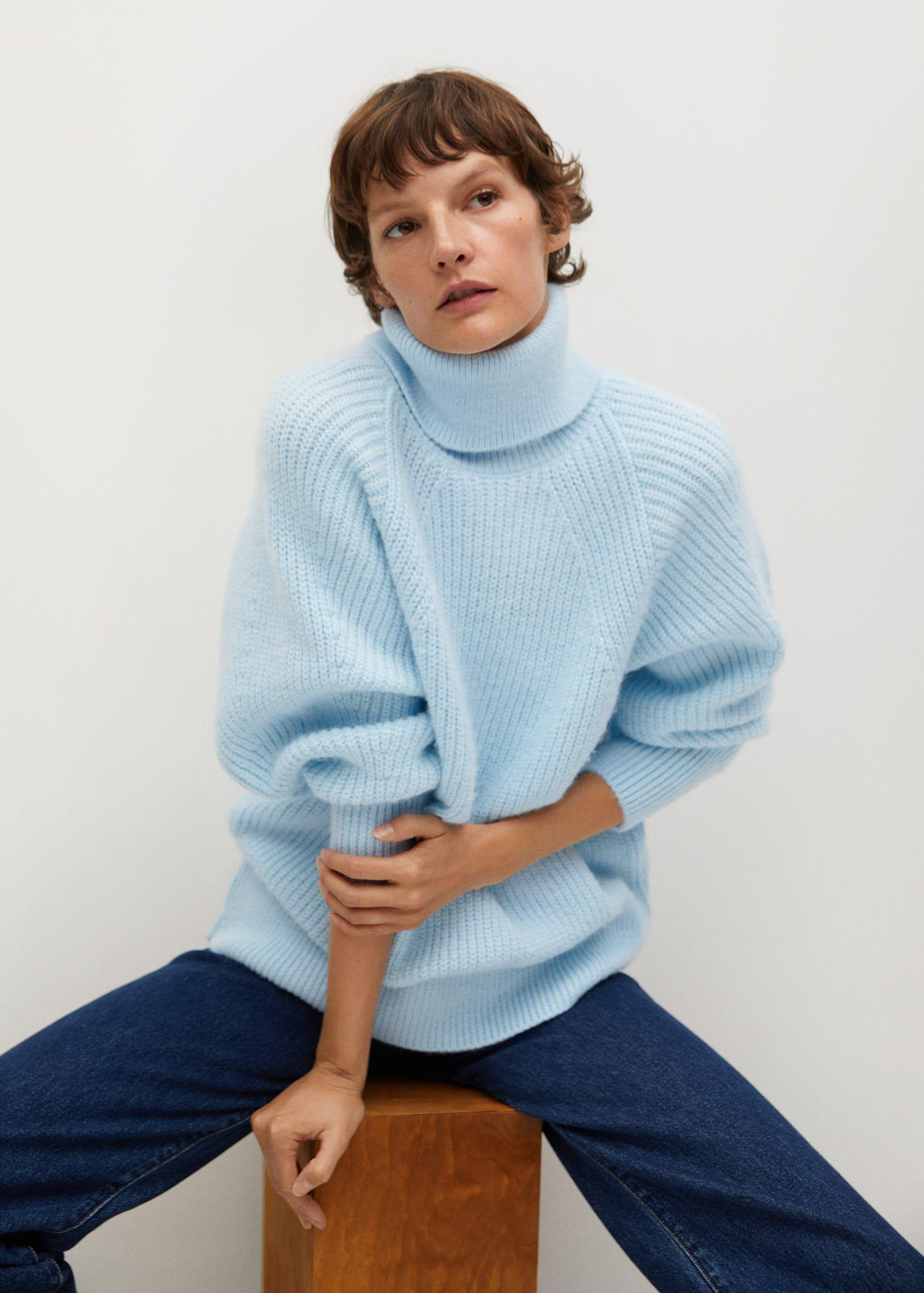 Turtleneck knitted sweater 4