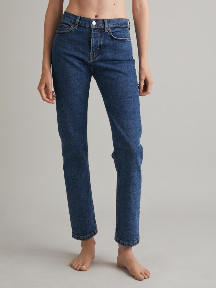 CW002 Classic Jeans 0