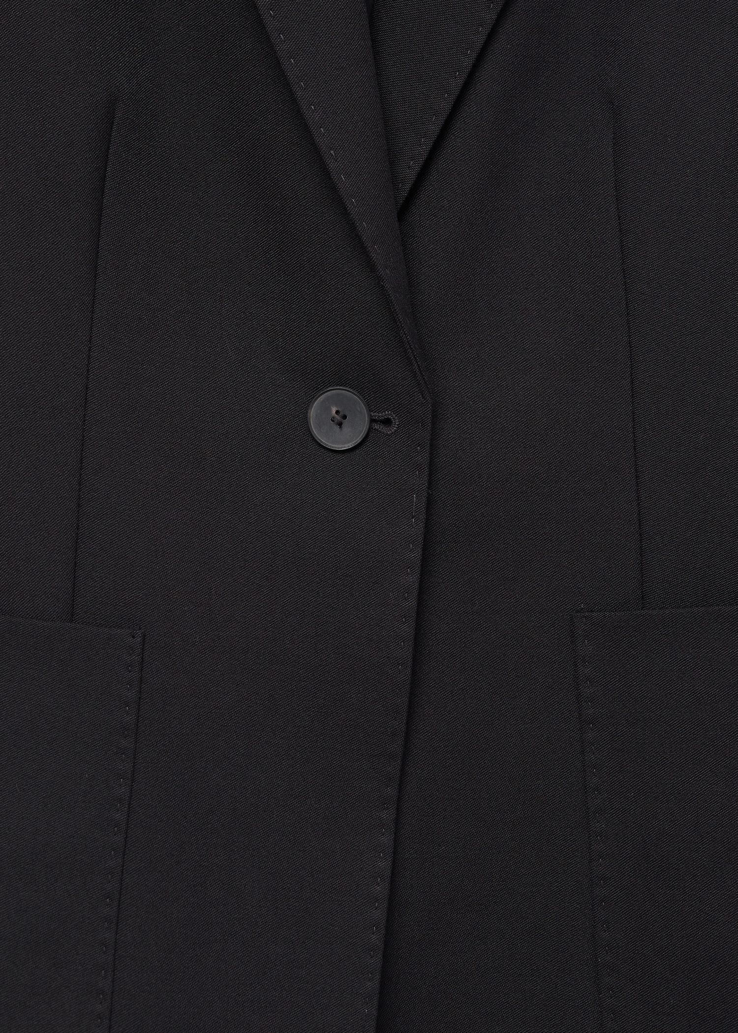 Fitted blazer with pocket 7