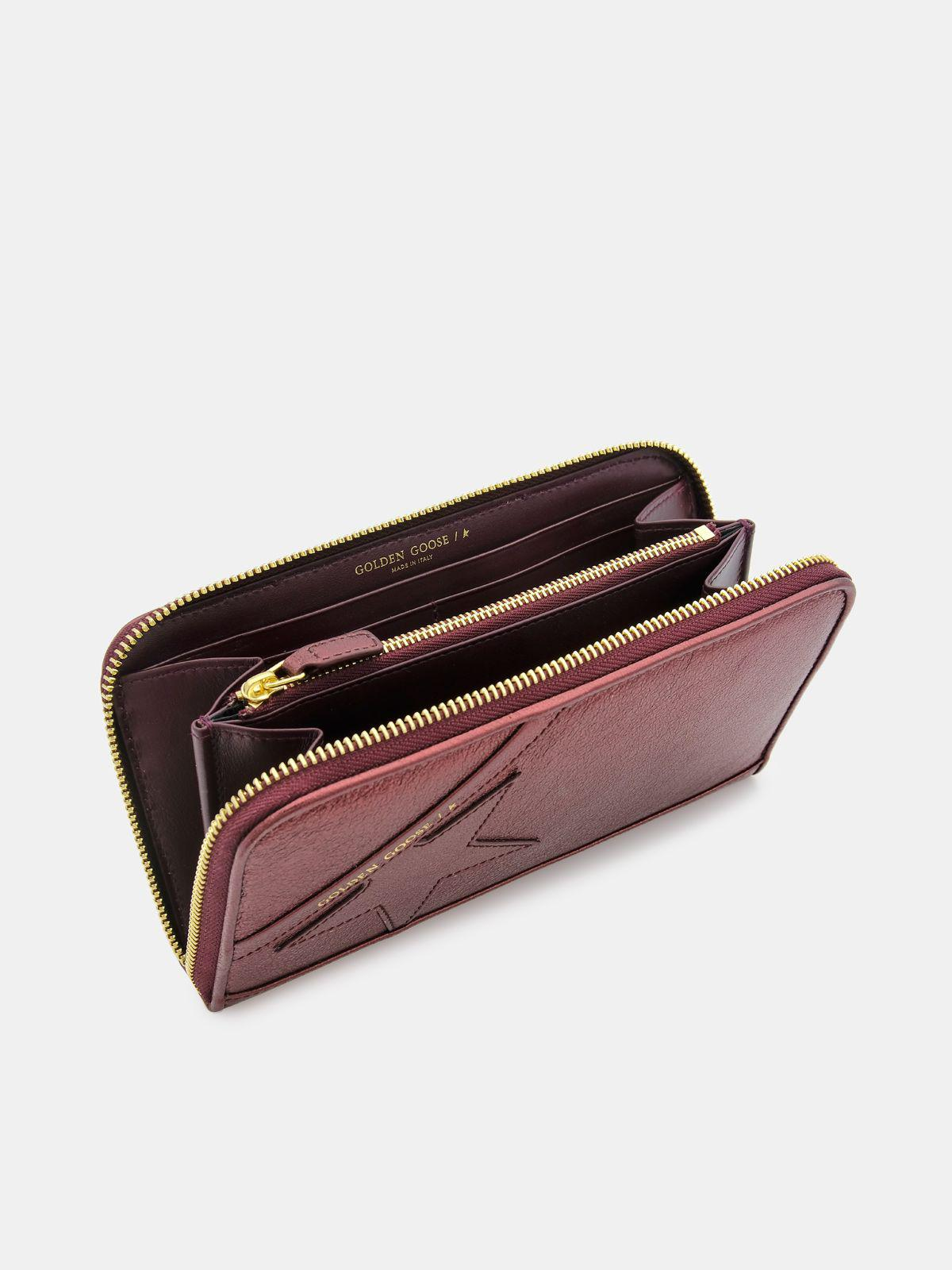 Large burgundy Star Wallet in laminated leather 3