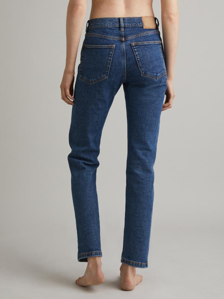 CW002 Classic Jeans 1